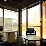 YKK_AP_Gates_Hall_Inspiration_Gallery_Interior_Office